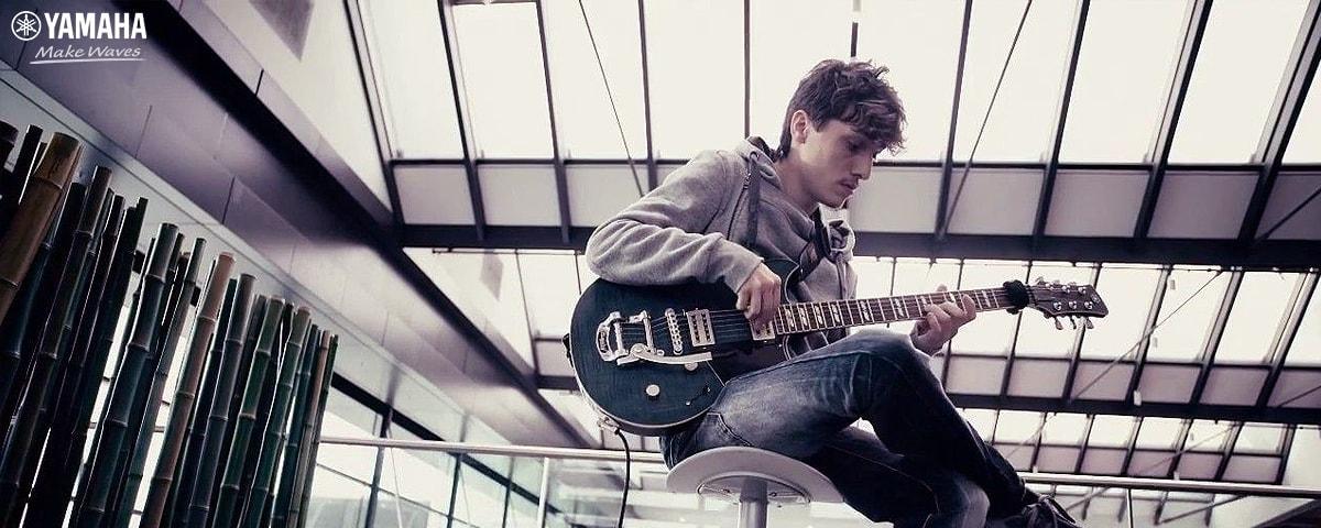 học guitar điện có khó không