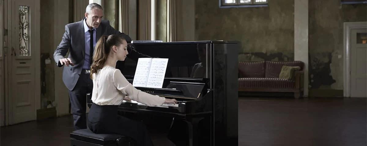 đàn piano cơ U1J
