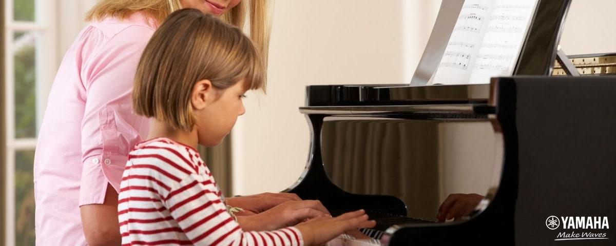 tập đánh đàn piano