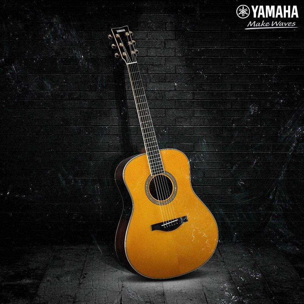 Đàn guitar acoustic là gì? Phân biệt acoustic & classic | Yamaha